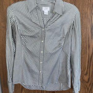 EUC - Ann Taylor LOFT blouse size 8 - grey/white
